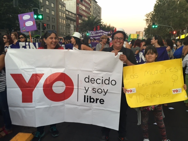 Chile 2 demo visual 8 Mar NL 10 Mar 2016
